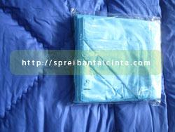 Bedcover Biru Tua dan Sprei Biru Muda