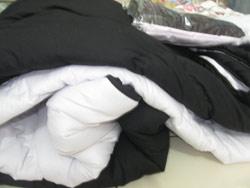 bedcover hitam putih